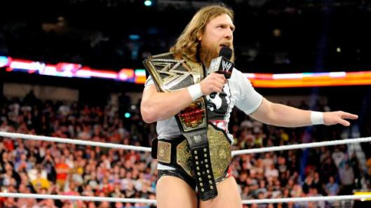 wwe-raw-daniel-bryan-thanks-the-fans-2184944